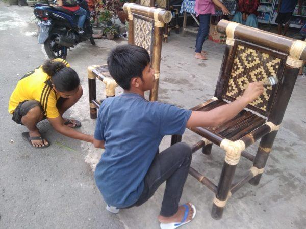 Pengembangan Kerajinan Bambu Sebagai Upaya Pengembangan Ekonomi Kreatif
