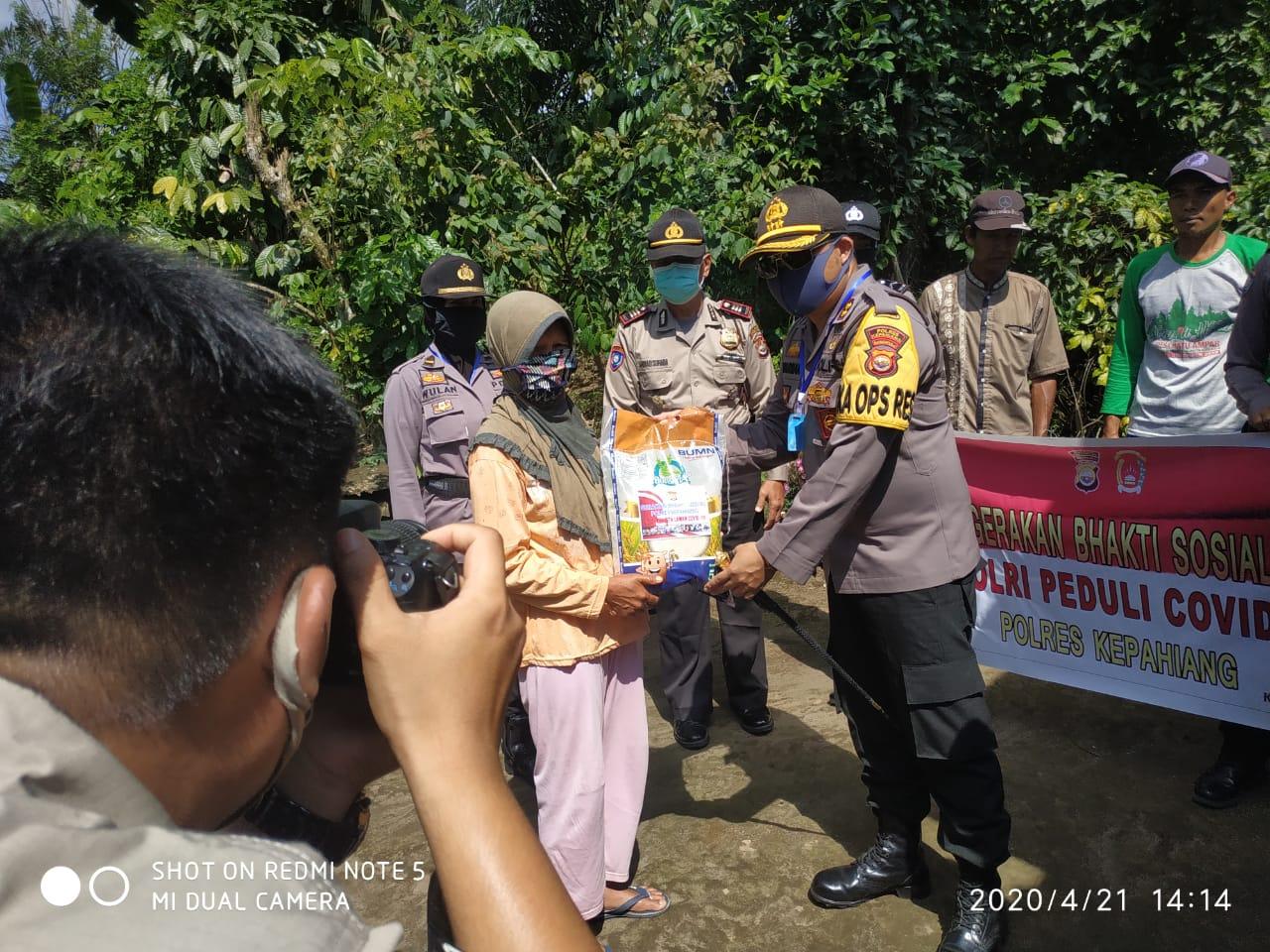 Polres Kepahiang Bakti Sosial Di Desa Batu Ampar