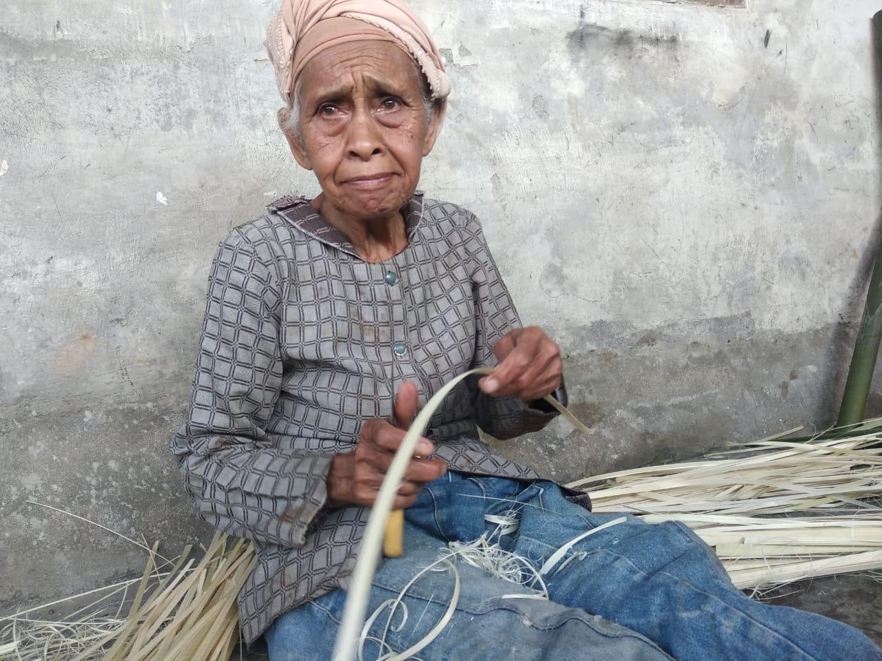 Upaya Lestarikan Kerajinan Anyaman Bambu Batu Ampar