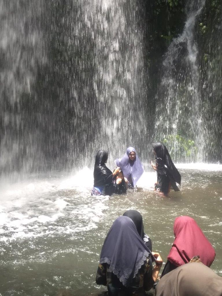 New Normal Air Terjun Donok Batam Tembus 1000 Pengunjung